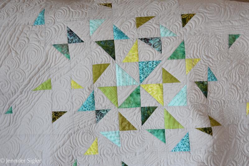 modern-hst-quilt-4594